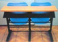 移动连体课桌椅