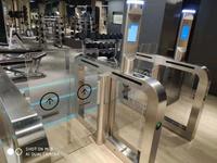 動態人臉識別門禁系統  健身房出入口門禁管理 人臉識別閘機系統 健身房一卡通 三輥閘翼閘