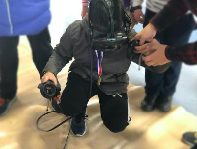 同輝信息:給學生創設VR沉浸式互動學習環境