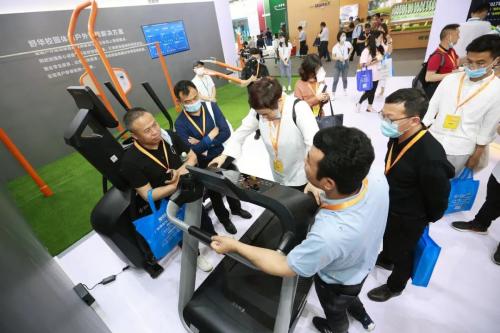舒华体育携校园体育解决方案亮相中国教育装备展