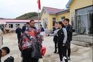 """白山市解放中学参加市教育局组织的""""精准扶贫活动"""""""
